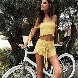 Blue Life Tasha short and top set in yellow